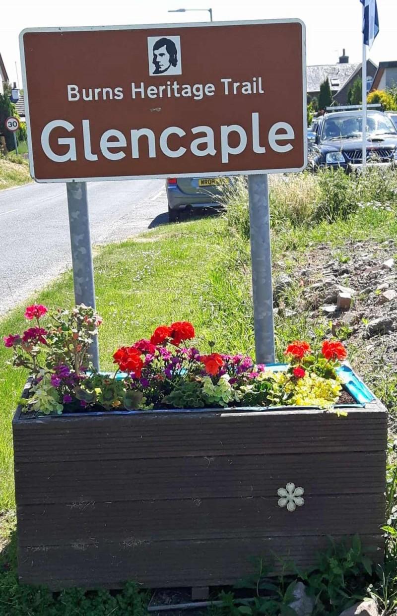Flower Tub Thanks - Caerlaverock Community Association